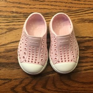 Baby girl pink Native shoes